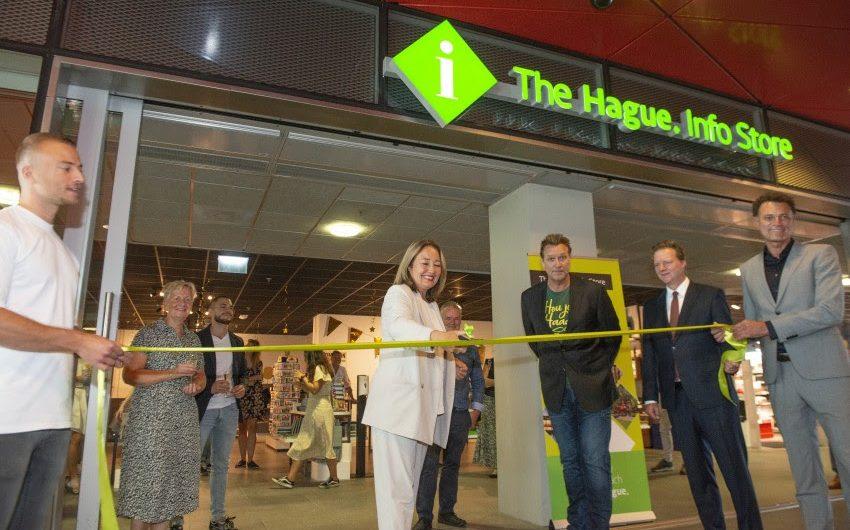 Den Haag – Opening The Hague Infostore op centraal station